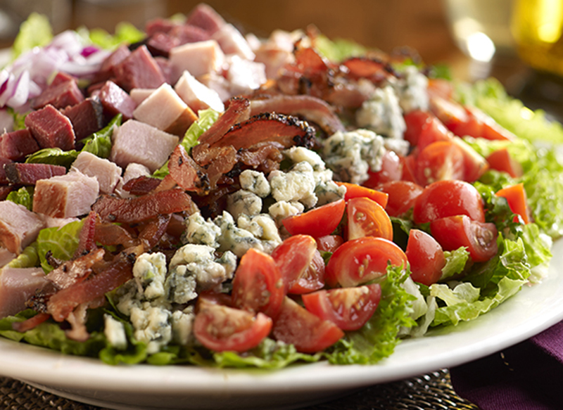 Nueskes_Smoky_Cobb_Salad_Recipe_HOMEPAGE_RECIPE